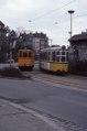 A2 und GRW4 mit Beiwagen 24 begegnen sich am Ehinger Tor, Januar 1986, Ulm.tif