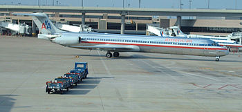American Airlines MD-80 Taxiing at Dallas/Fort...