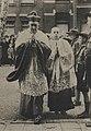 Aankomst van mgr. Johannes de Jong bij de OLV ten Hemelopnemingkerk te Utrecht - HUA-300282 (557).jpg