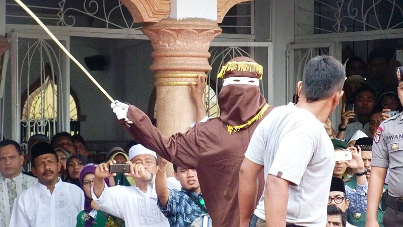 File:Aceh caning 2014, VOA.jpg