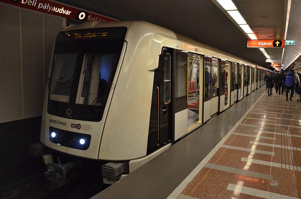 Alstom Metropolis - Budapest Széll Kálmán tér M2