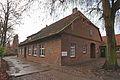 Alte Schule bei der Marienkirche in Isernhagen IMG 3944.jpg