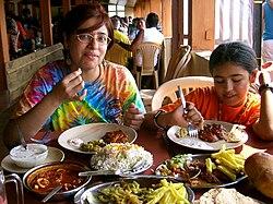 tradiçao portuguesa na cozinha na India 250px-Ambotic_de_lulas