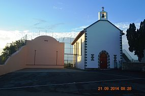 Amendeuix Church and Fronton.JPG