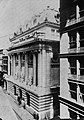 Amerikanischer Photograph um 1901 - Die Handelskammer (Zeno Fotografie).jpg