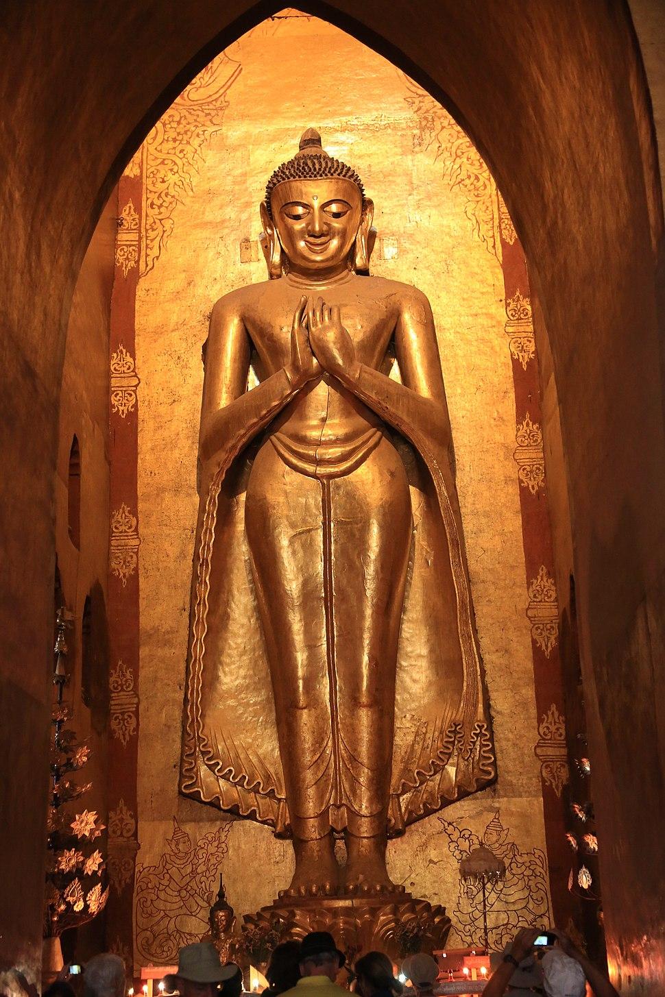 Ananda Temple - Bagan, Myanmar 20130209-03.jpg