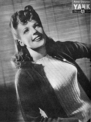 Sweater girl - Anne Gwynne, 1943