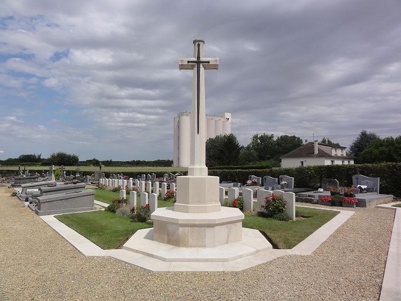 File:Annois (Aisne) cimetière, CWCG graves (01).JPG