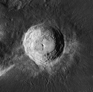 Aristarchus (crater) - Image: Aristarchus crater 4150 h 3
