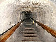 couloir ascendant cheminement travers les assises horizontales