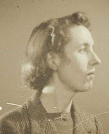 Averil Lysaght portrait 1940s crop.jpg