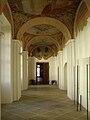 Břevnovský klášter, chodba.jpg