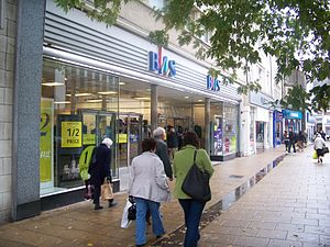 British Home Stores - A BHS branch in pre-1995 branding seen in Darlington in 2009.