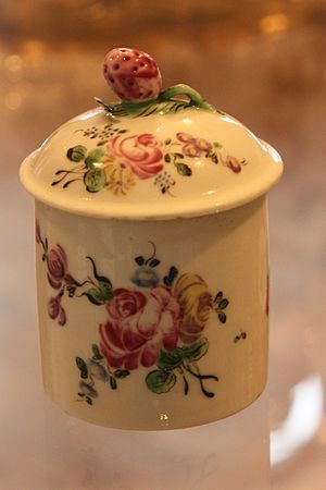 Mennecy-Villeroy porcelain - Image: BLW Lidded Pot (1)