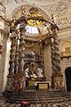 Baldaquin et maître-autel du Val de Grâce.jpg