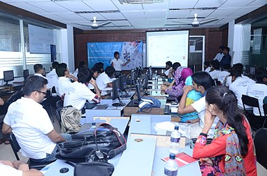 Bangla Wikipedia Workshop at MU, Sylhet14.JPG