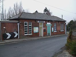 Banstead station building.JPG