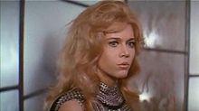 La protagonista in una scena del trailer del film