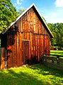 Barn And Hut - panoramio.jpg