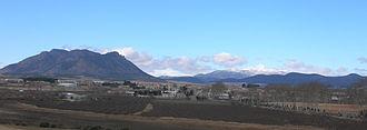 Barranda - Vista general. A la izquierda, la sierra de Mojantes