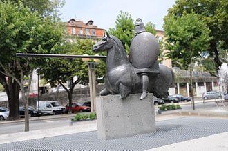 Arcos de Valdevez - A statue that commemorates the historical Battle of Valdevez