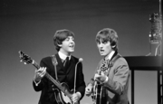 Paul McCartney und George Harrison, 1964
