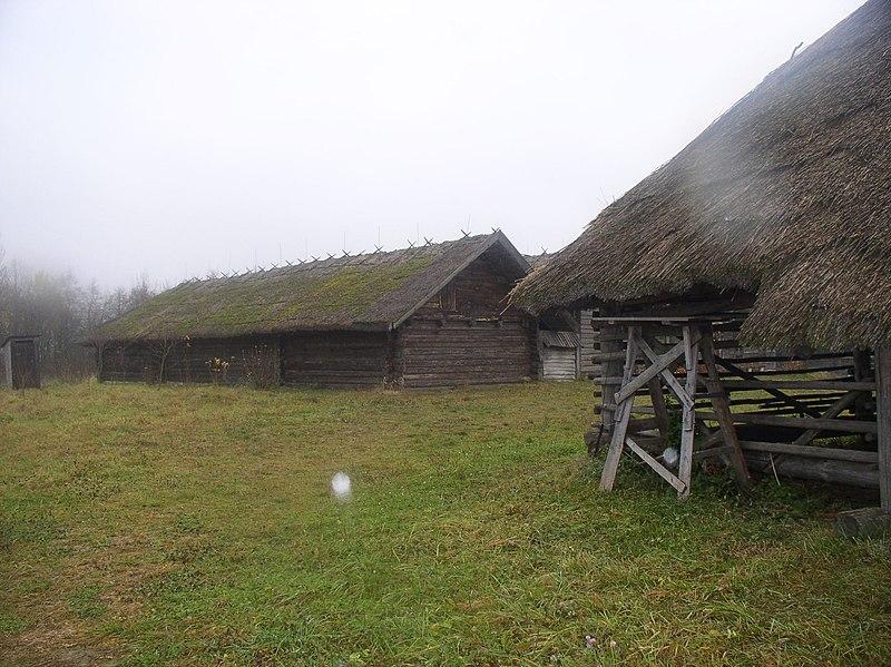 File:Belarus-SMFAL-Lakes Region-House-3.jpg