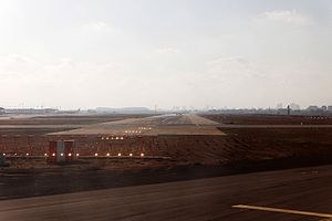 Ben Gurion International Airport-08-by-RaBoe-10.jpg