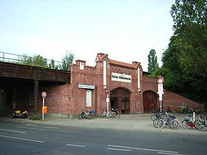 Berlin-Wilhelmsruh station - Image: Berlin Wilhelmsruh S Bahnhof