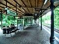 Berlin- Bahnhof Berlin-Nikolassee- auf Bahnsteig zu Gleis 1- Richtung Wannsee 8.8.2010.jpg