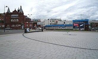 Birmingham Children's Hospital - Helipad between hospital and the Inner Ring Road