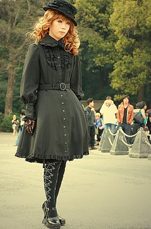 Japanese popular culture - Gothic Lolita Japanese fashion