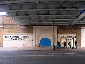 Blackfriars Road railway station - The former entrance to Blackfriars Road station