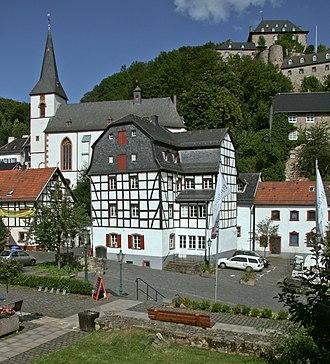Blankenheim, North Rhine-Westphalia - Parish church St. Mariä and Blankenheim castle