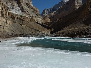 Chadar trek - Blue sky in Chadar
