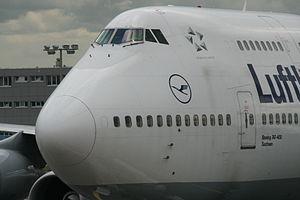 Boeing 747-430 D-ABTA Frontsection 6659.jpg