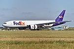 Boeing 777F 'N888FD' FedEx (44079329221).jpg