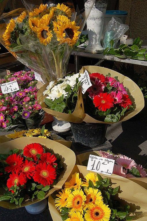 File bouquets de fleurs l 39 isle sur la for Bouquet de fleurs wiki