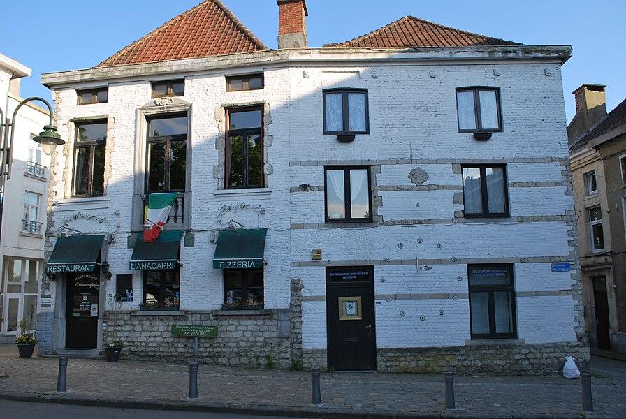 Façades et toitures de l'ancien Hôtel de Ville sis n° 12-13, Grand'Place à Braine-L'Alleud