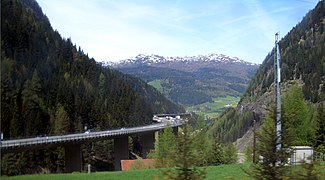 Brenner-Pass-highway-0819-cropped.jpg