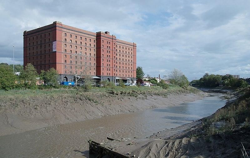 File:Bristol MMB «V6 Bond Warehouses.jpg