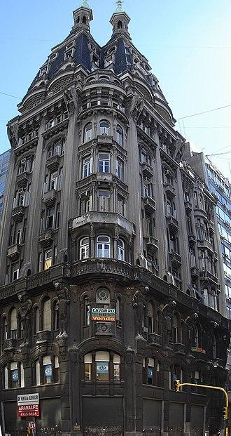 Avenida Belgrano - Image: Buenos Aires Monserrat Edificio Otto Wulf 200604