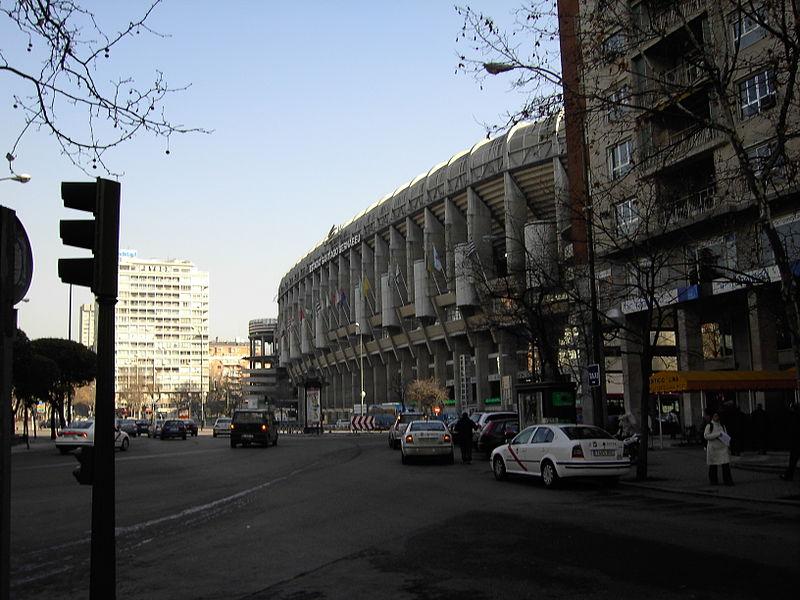 Bestand:Buitenzicht Estadio Santiago Bernabéu.JPG