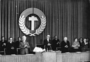 Bundesarchiv Bild 183-08553-0004, Berlin, 1. Volkskammersitzung, Präsidium