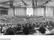 Bundesarchiv Bild 183-1987-0305-110, Berlin, XII. DFD-Kongress
