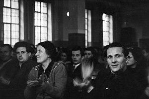 Edith Baumann - Image: Bundesarchiv Bild 183 S80854, Berlin Weissensee, Edith Baumann, Erich Honecker