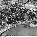 Bundesarchiv Bild 195-0886, Rheinbefliegung, Düsseldorf-Heerdt.jpg