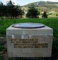 Bundesstraßenring Ausbau Erinnerungsstein an der Nordumfahrung in Villach-Vassach, Kärnten, Österreich.jpg