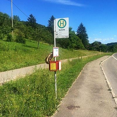 Bushaltestelle Neuhalde Tübingen Fahrrichtung Hagelloch.jpg