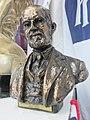 Buste d'Henry Royce.jpg